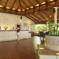 Отель Royal Island Resort And Spa интерьер отеля