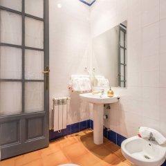 Отель Apartamentos Plaza Santa Ana Мадрид ванная фото 2