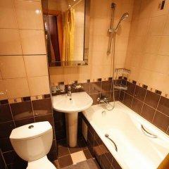 Гостиница MneNaSutki na Yablochkova 41a в Москве отзывы, цены и фото номеров - забронировать гостиницу MneNaSutki na Yablochkova 41a онлайн Москва ванная