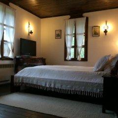 Отель Stefanina Guesthouse Боженци сейф в номере