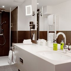 Отель arcona LIVING BACH14 Германия, Лейпциг - 1 отзыв об отеле, цены и фото номеров - забронировать отель arcona LIVING BACH14 онлайн ванная фото 2