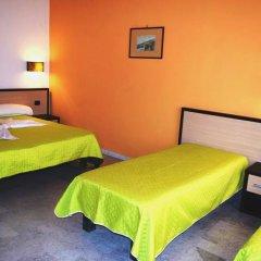 Hotel Quadrifoglio - Quadrifoglio Village Понтеканьяно сейф в номере