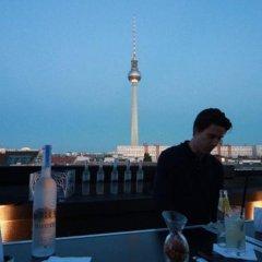 Отель The Weinmeister Berlin-Mitte Германия, Берлин - 1 отзыв об отеле, цены и фото номеров - забронировать отель The Weinmeister Berlin-Mitte онлайн приотельная территория фото 2
