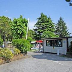 Отель Camping Garden Tourist Манерба-дель-Гарда парковка