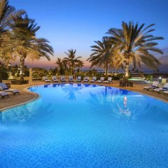 Отель Hilton Al Hamra Beach & Golf Resort бассейн фото 3
