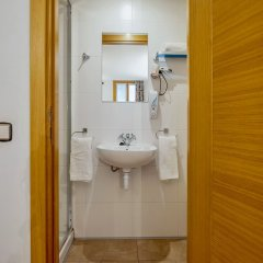 Отель Hospedaje Irune Сан-Себастьян ванная фото 2