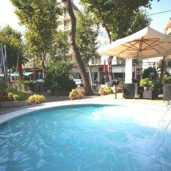 Hotel Derby Римини бассейн