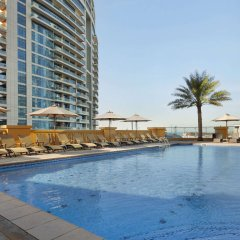 Ramada Hotel & Suites by Wyndham JBR бассейн
