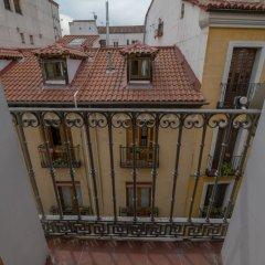 Отель Apto La Latina Plaza Cascorro ECM18 Мадрид балкон