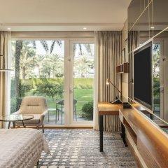 Отель Le Meridien Dubai Hotel & Conference Centre ОАЭ, Дубай - отзывы, цены и фото номеров - забронировать отель Le Meridien Dubai Hotel & Conference Centre онлайн балкон