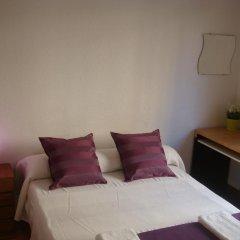 Отель Hostal Turis Alba Барселона комната для гостей фото 5