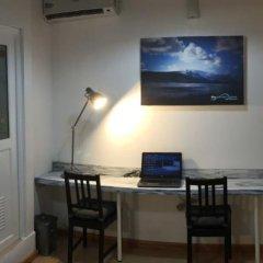 Отель Thulusdhoo Surf Camp Остров Гасфинолу удобства в номере