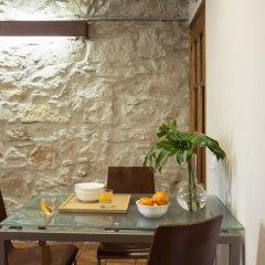 Отель AinB Las Ramblas-Guardia Apartments Испания, Барселона - 1 отзыв об отеле, цены и фото номеров - забронировать отель AinB Las Ramblas-Guardia Apartments онлайн балкон
