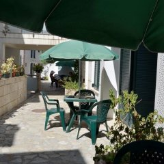 Отель Secret Garden Apartments Черногория, Свети-Стефан - отзывы, цены и фото номеров - забронировать отель Secret Garden Apartments онлайн гостиничный бар