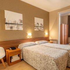 Отель Hostal Iznajar Barcelona Испания, Барселона - отзывы, цены и фото номеров - забронировать отель Hostal Iznajar Barcelona онлайн комната для гостей
