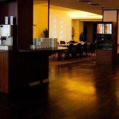Отель AZIMUT Hotel Cologne Германия, Кёльн - 13 отзывов об отеле, цены и фото номеров - забронировать отель AZIMUT Hotel Cologne онлайн интерьер отеля фото 3