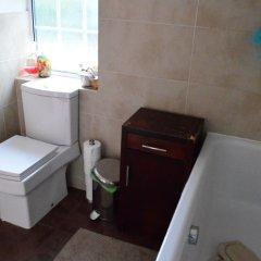 Отель 3 Bedroom Family Home Near The DLR ванная