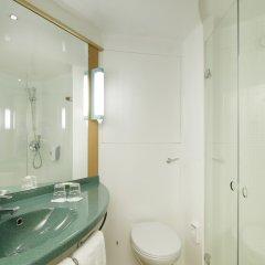 Отель Ibis Barcelona Santa Coloma Испания, Санта-Колома-де-Граманет - отзывы, цены и фото номеров - забронировать отель Ibis Barcelona Santa Coloma онлайн ванная
