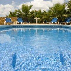 Отель Gozo Farmhouses - Gozo Village Holidays Мальта, Виктория - отзывы, цены и фото номеров - забронировать отель Gozo Farmhouses - Gozo Village Holidays онлайн бассейн