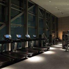 Отель Park Hyatt Tokyo Токио фитнесс-зал фото 4