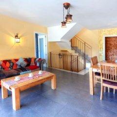 Отель Casa Cap Ras - Four Bedroom Испания, Льянса - отзывы, цены и фото номеров - забронировать отель Casa Cap Ras - Four Bedroom онлайн комната для гостей