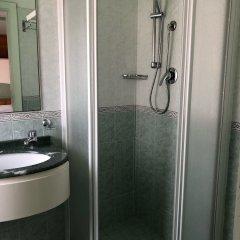 Hotel Augustus Гаттео-а-Маре ванная