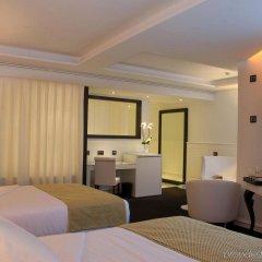 Отель Gran Meliá Colón - The Leading Hotels of the World Испания, Севилья - отзывы, цены и фото номеров - забронировать отель Gran Meliá Colón - The Leading Hotels of the World онлайн сейф в номере