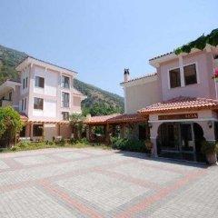 Perdikia Beach Hotel парковка