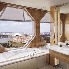Отель The Ritz-Carlton, Millenia Singapore ванная фото 2