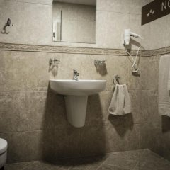 Отель Nove Болгария, Свиштов - отзывы, цены и фото номеров - забронировать отель Nove онлайн ванная