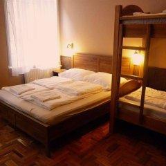 Апартаменты Corvin Point Rooms and Apartments комната для гостей фото 2