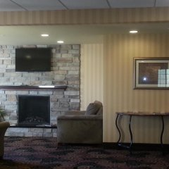Отель Cobblestone Inn & Suites - Bloomfield интерьер отеля фото 2