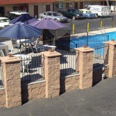 Отель Desert Hills Motel США, Лас-Вегас - отзывы, цены и фото номеров - забронировать отель Desert Hills Motel онлайн парковка
