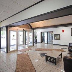 Отель Comfort Inn & Suites Downtown Edmonton интерьер отеля