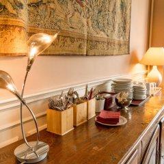 Отель The Captaincy Guesthouse Brussels в номере