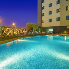 Отель Arabian Park Hotel ОАЭ, Дубай - 1 отзыв об отеле, цены и фото номеров - забронировать отель Arabian Park Hotel онлайн бассейн фото 2