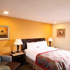 Отель Ramada by Wyndham Culver City комната для гостей фото 5