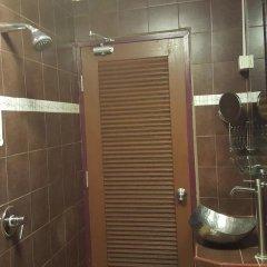Отель Hansaah Guesthouse Бангкок ванная