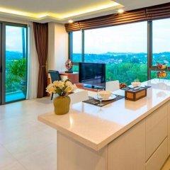 Отель At The Tree Condominium Phuket Стандартный номер с различными типами кроватей фото 2