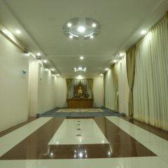 Отель Golden Dragon Hotel Мьянма, Пром - отзывы, цены и фото номеров - забронировать отель Golden Dragon Hotel онлайн интерьер отеля