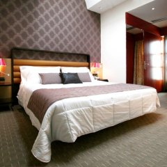 Отель Holiday Inn Turin City Centre сейф в номере