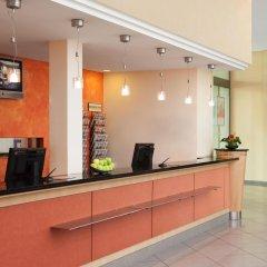 Отель IntercityHotel Düsseldorf интерьер отеля
