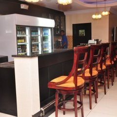 Owu Crown Hotel гостиничный бар