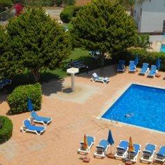 Отель Maistros Hotel Apartments Кипр, Протарас - отзывы, цены и фото номеров - забронировать отель Maistros Hotel Apartments онлайн бассейн фото 2