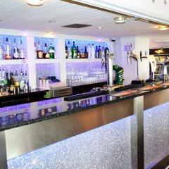 Lyndene Hotel гостиничный бар