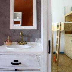 Отель Hostel & Suites Des Arts Португалия, Амаранте - отзывы, цены и фото номеров - забронировать отель Hostel & Suites Des Arts онлайн ванная фото 2