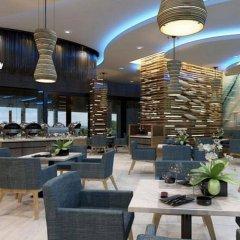Отель Crest Resort & Pool Villas питание фото 2