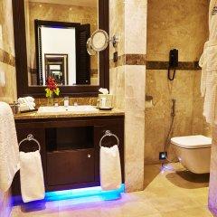 Отель Royal Maxim Palace Kempinski Cairo ванная фото 2