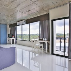 Отель The Sixteenth Naiyang Beach пляж Май Кхао балкон