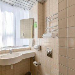 Отель Tallink City hotel Эстония, Таллин - 6 отзывов об отеле, цены и фото номеров - забронировать отель Tallink City hotel онлайн ванная фото 2